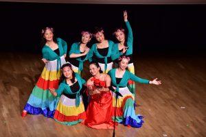 中文学校表演舞蹈助庆